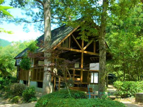春日の観光 日ケ奥渓谷キャンプ場