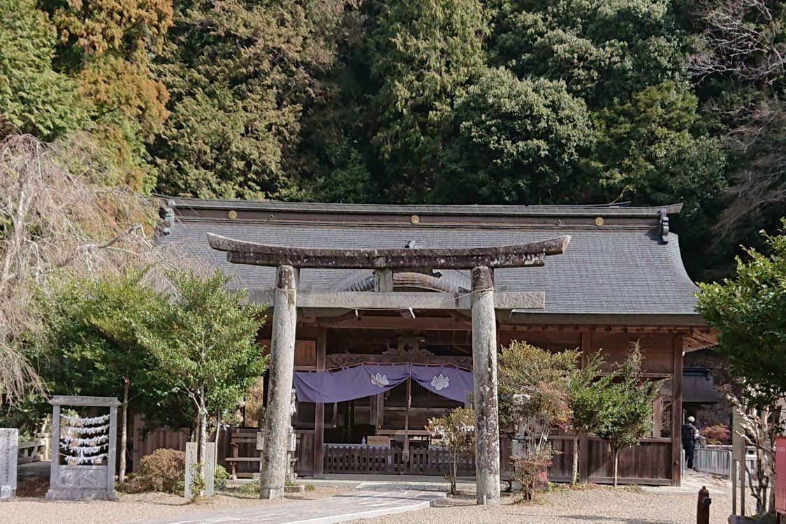 高座神社【山南】(たかくらじんじゃ)
